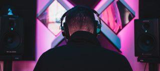 DJ inhuren
